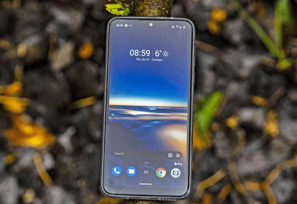 Motorola One Macro scren
