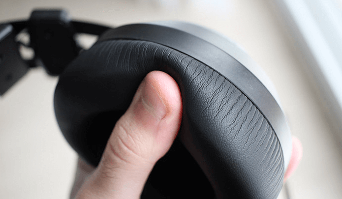 XPG EMIX H30 SE headset review -Earpads use memory foam and are very soft